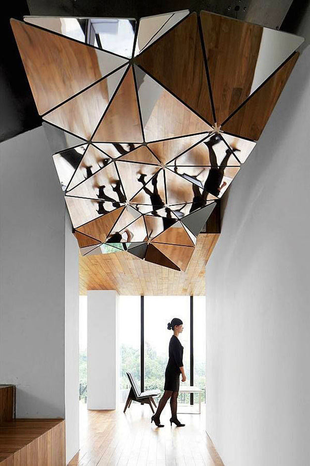 Mirror Structure On Ceiling Thewowdecor
