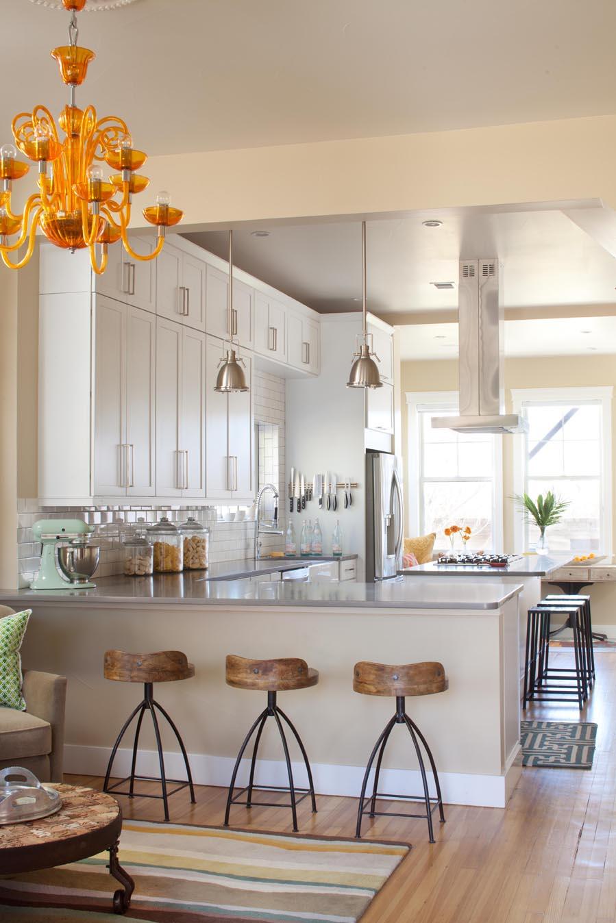All White Contemporary Kitchen Thewowdecor