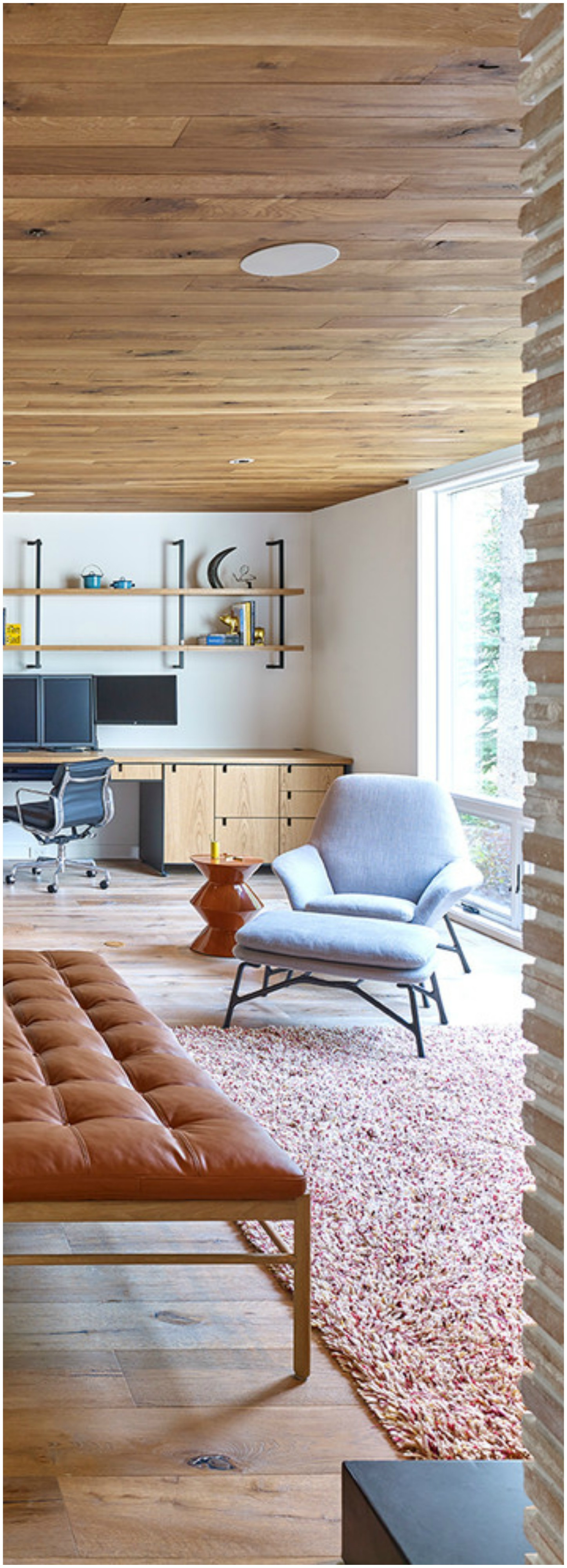 Large Contemporary Home office Thewowdecor