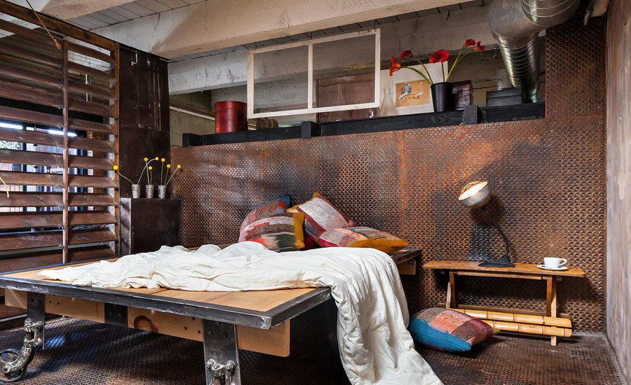 industrial-bedroom-metal