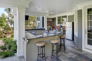 4 Tips for Designing an Outdoor Kitchen