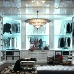 How to Achieve a Luxurious Closet Look Using Lighting