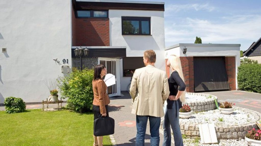 Find Property With Absentee Owners