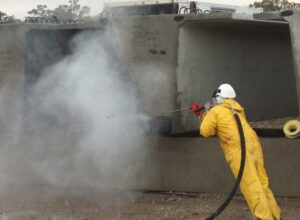 5 Pros and Cons of Water Blasting for Your Home