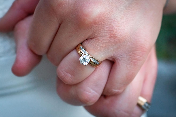 Learning How to Shop for an Engagement Ring Can Make the Process Easier